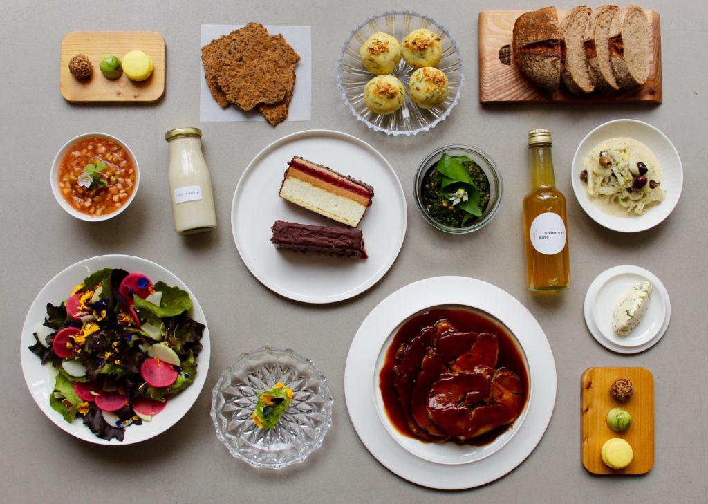 Klassische Gourmet Dinner-Box für Zuhause aus dem Berliner Sternerestaurant einsunternull